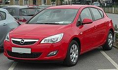 Opel Astra J przed liftingiem