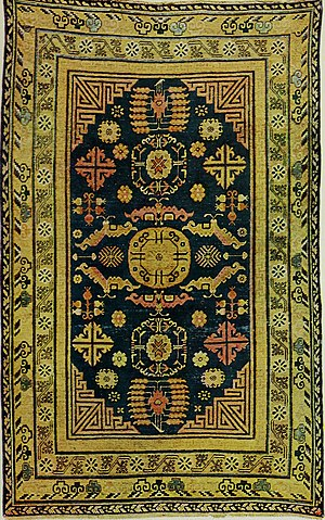 Gul (design) - Turkmen carpet with 3 central gul medallions