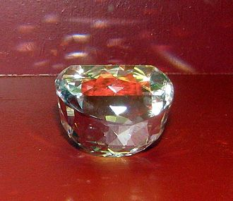 Orlov (diamond) - Copy of the Orlov diamond   (it is turned upside-down in this photo)