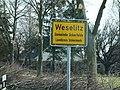 Ortstafel Weselitz 2018.jpg