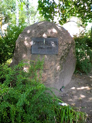 Otto Suhr - Otto Suhr's Memorial Stone in Berlin