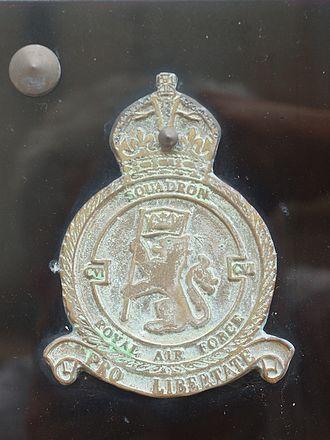 No. 106 Squadron RAF - Image: Ouzouer le Doyen FR 41 monument aux aviateurs de la RAF 2