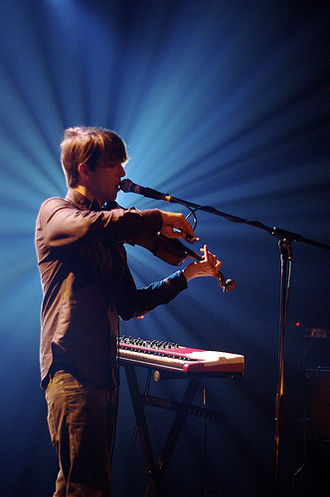 Owen Pallett - Pallett playing live in Brussels, 2010-03-23.