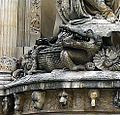 P1040591 Paris V fontaine Cuvier détail rwk.JPG