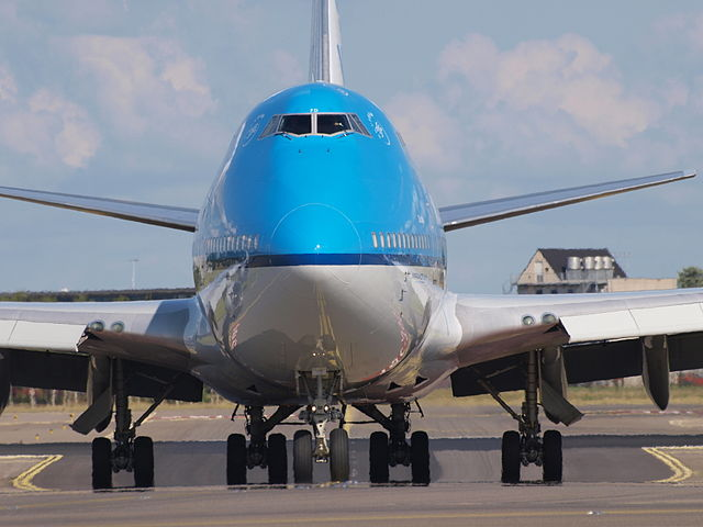 KLM 747-400 Front View