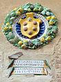Palazzo vicariale di certaldo, cortile, stemma bernardo di alamanno de medici.JPG