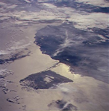 Paraguana Peninsula STS066-124-8