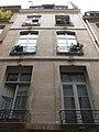 Paris - 20 rue Saint-Sauveur - facade contre-plongee.jpg