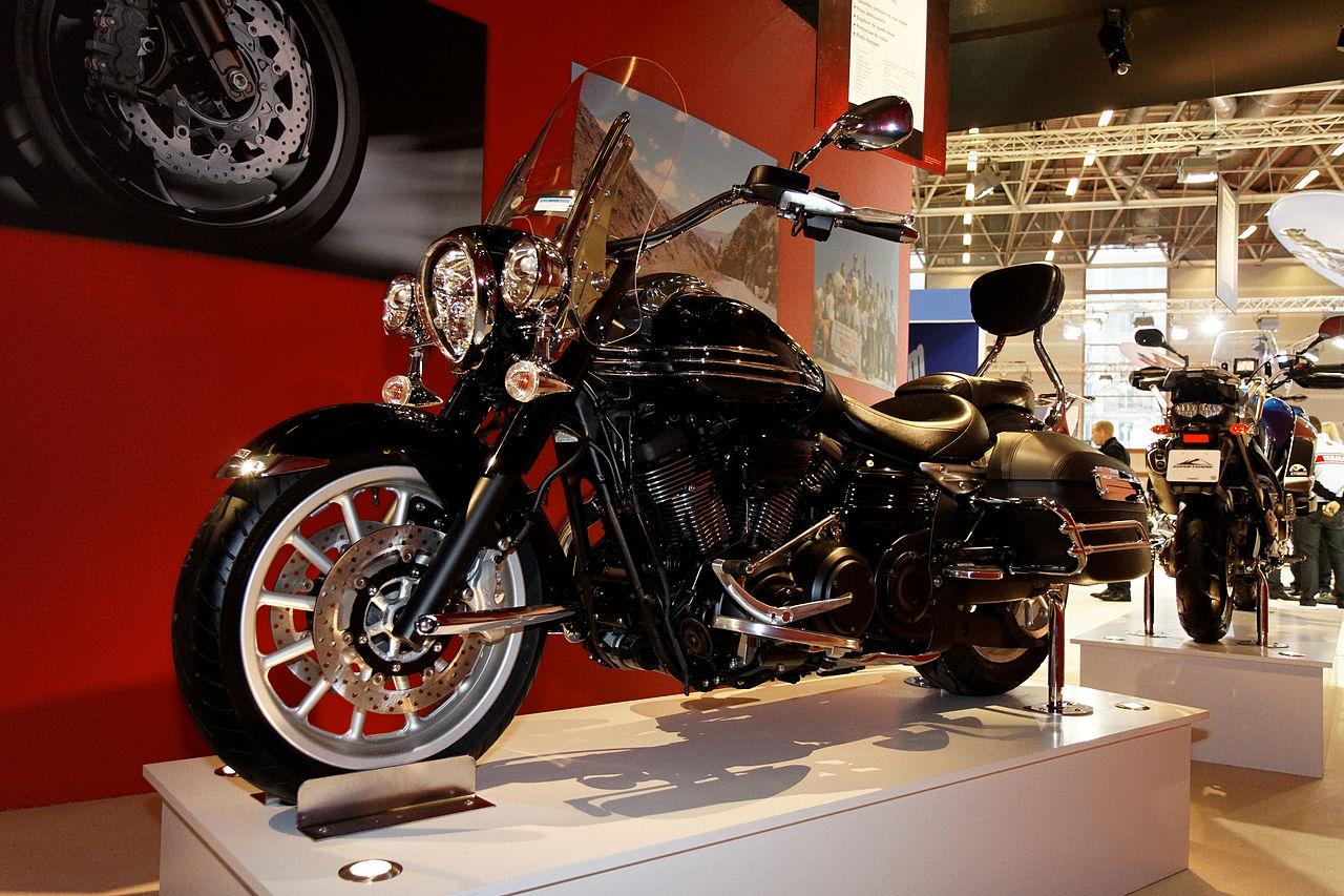 file paris salon de la moto 2011 yamaha xv 1900 a wikimedia commons. Black Bedroom Furniture Sets. Home Design Ideas