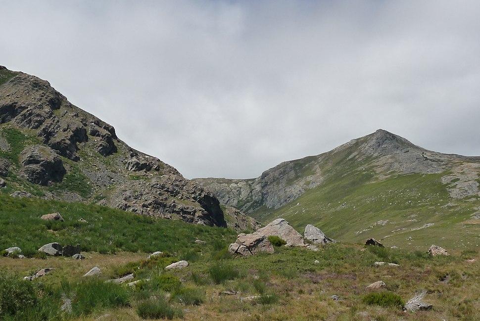 Peña Trevinca, a montaña máis alta de Galicia con 2.157 metros