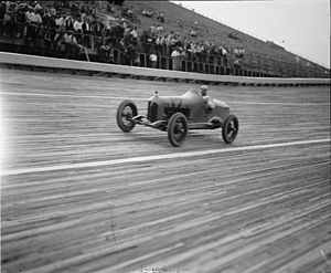 Pete DePaolo - Pete DePaolo racing in 1925