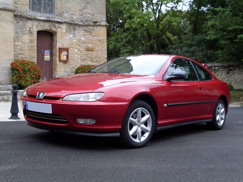 Pas une ride ! 800px-Peugeot_coup%C3%A9_406_1999