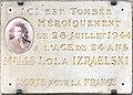 Plaque en hommage à Lola Israelski, Place Croix-Paquet.jpg