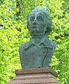 Pomník Adama Mickiewicze v parku v Slovenské ulici v Karlových Varech (Q37340674) 02.jpg