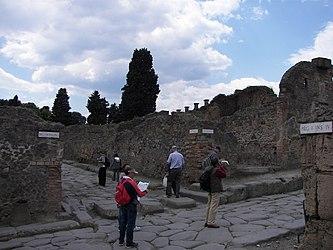 Pompeii street08 6.jpg