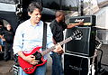 Prefeito Fernando Haddad toca guitarra em shows da banda Public Enemy.JPG