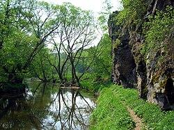 Řeka jihlava za kratochvílovým mlýnem u přibyslavic