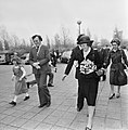 Prinses Beatrix arriveert bij het congresgebouw, Bestanddeelnr 929-1355.jpg