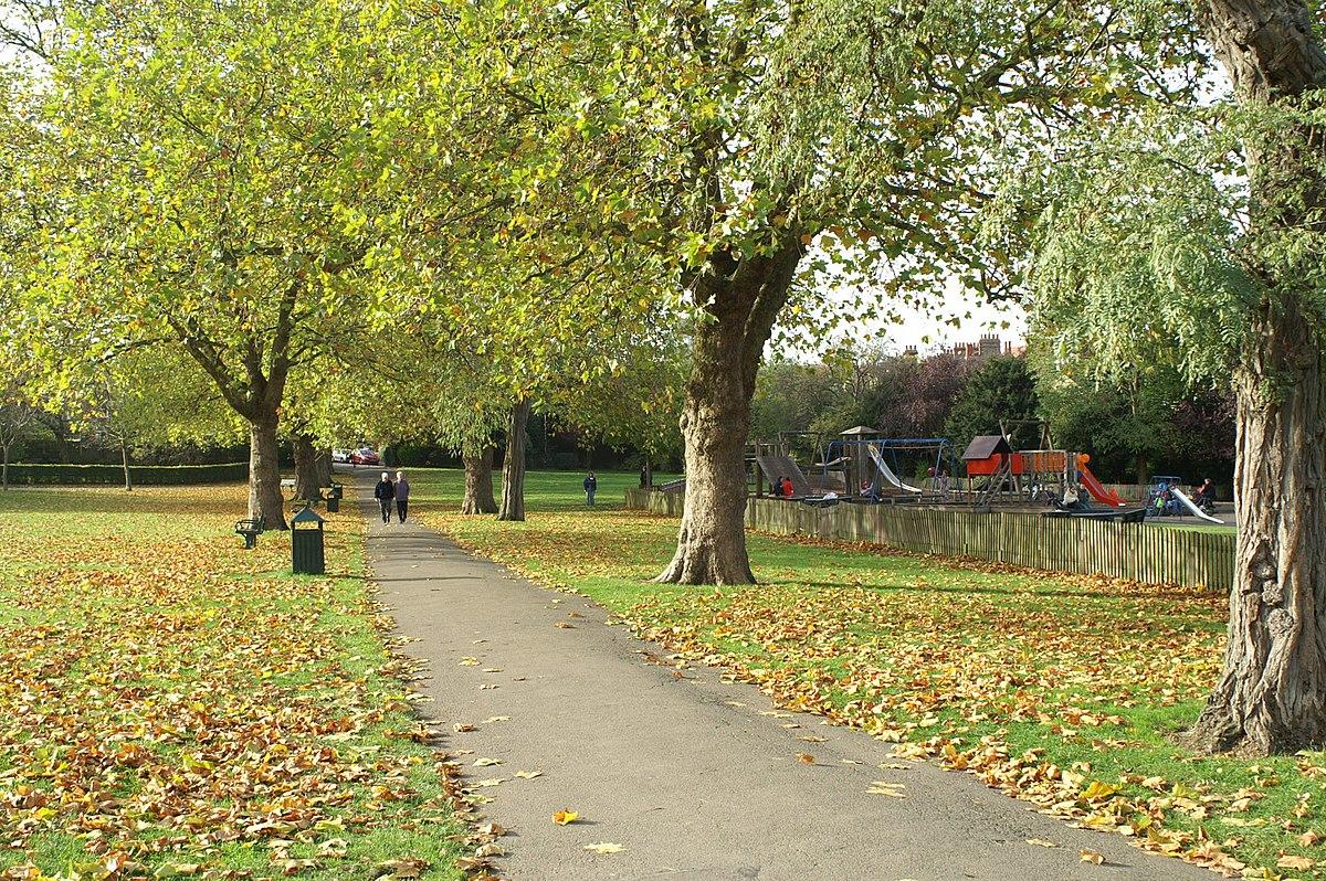 Priory Park 2006.JPG