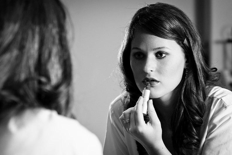 Putting on lipstick.jpg