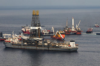 Timeline of the Deepwater Horizon oil spill (May 2010) - Q4000 in back right and the Discoverer Enterprise in the foreground on May 26 during the failed top kill procedure.  The Q4000 is directly over the blowout preventer.