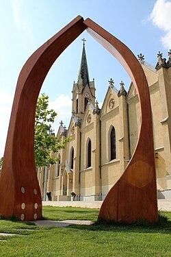 Queen of Heavens Church, Újpest 001.jpg