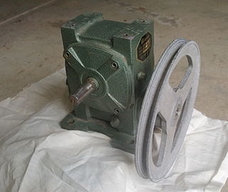 Reduction drive Device, containing a different gears.
