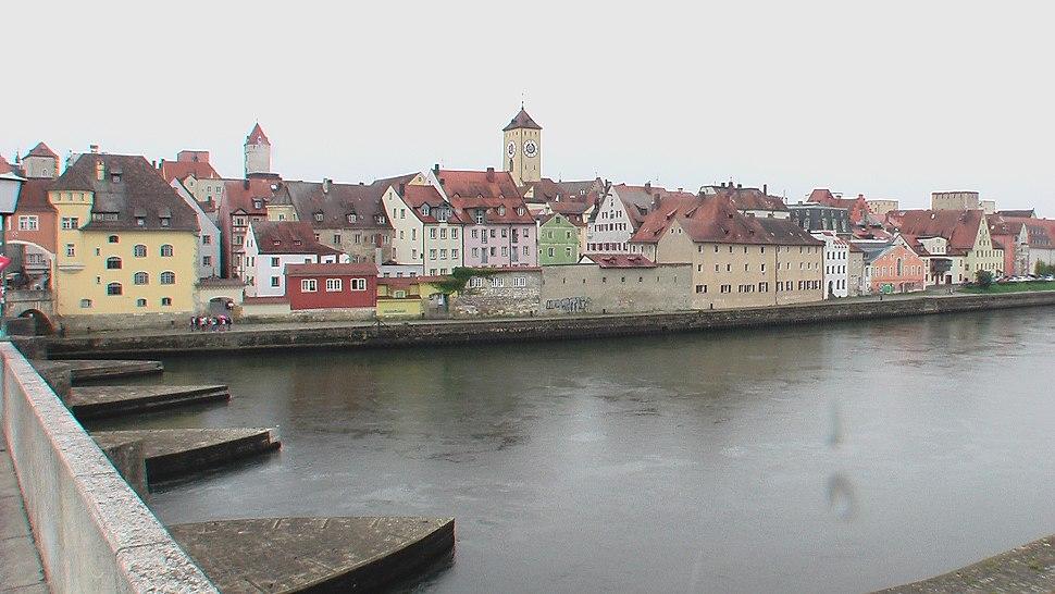 RegensburgDonauAnsicht2012