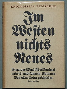 https://upload.wikimedia.org/wikipedia/commons/thumb/c/c3/Remarque_Im_Westen_nichts_Neues_1929.jpg/220px-Remarque_Im_Westen_nichts_Neues_1929.jpg