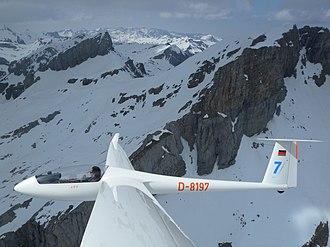 Rolladen-Schneider LS7 - Image: Rolladen Schneider LS7 D 8197