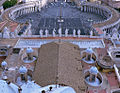 Rom - San Pietro Blick aus der Laterne auf den Petersplatz (7516860078).jpg
