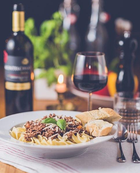 File:Romantic dinner for one (Unsplash).jpg