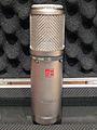 SE Electronics Condenser Mic 2200a.JPG