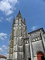 Saintes (17) Basilique Saint-Eutrope Extérieur 04.JPG