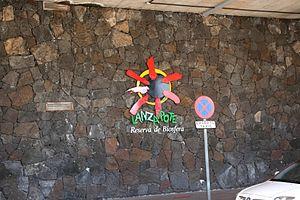 San Bartolomé - airport 16 ies.jpg