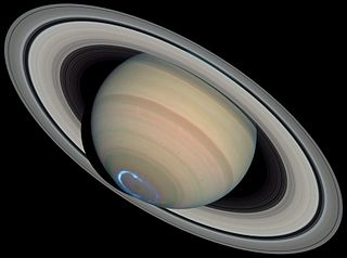Saturn with auroras (cropped).jpg