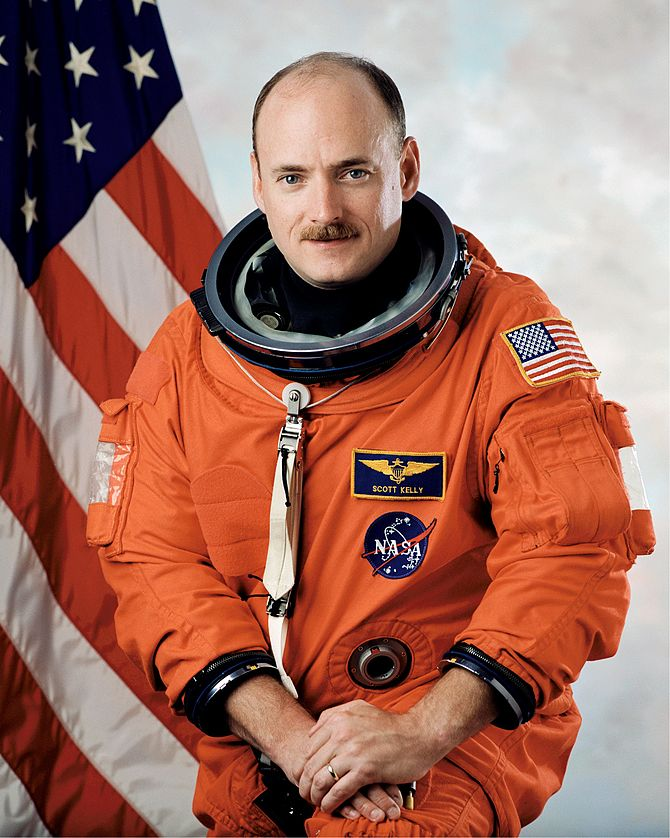English: S99-05705 - Astronaut Scott J. Kelly,...
