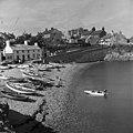 Sea-side views of Moelfre, Anglesey (17111575210).jpg