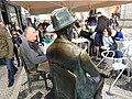Seated Statue of Fernando Pessoa (41944797904).jpg