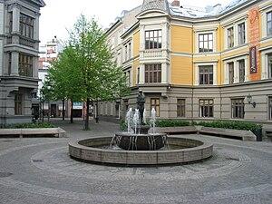 Ørnulf Bast - Evig liv  (1948-1949) sculpture by Ørnulf Bast at Sehesteds plass
