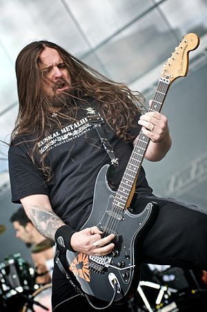 Andreas Kisser - Andreas Kisser playing with Sepultura during the Maquinária Festival
