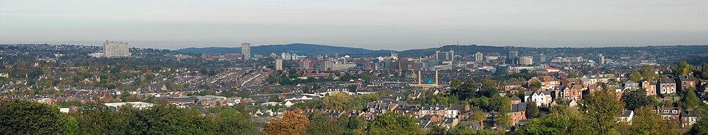 Панорама Шеффилда из Мирзбрукского парка[en]