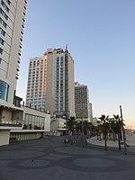 Shlomo Lahat Promenade, Tel Aviv - 2018-11-02 - IMG 1852.jpg