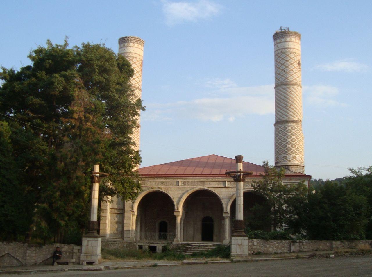 Верхняя мечеть Гевхар-аги. Расположение: Шуша, Азербайджан / Нагорно-Карабахская Республика (Арцах)