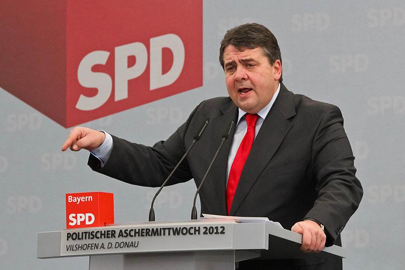 File:Sigmar Gabriel 2012 Politischer Aschermittwoch SPD Vilshofen 15.jpg