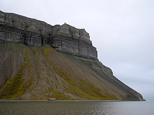 Dickson Land - Skansbukta, a bay in the south of Dickson Land