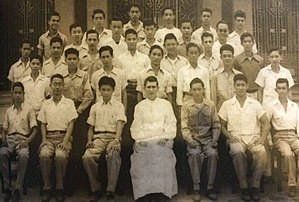 Max Soliven - Soliven (2nd row, 2nd from the left) sits with his fellow members of Guild 47, along with Father Raymond Gough, S.J. (from Maximo V. Soliven: The Man and the Journalist)