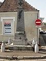 Souligné-sous-Ballon (Sarthe) monument aux morts.jpg