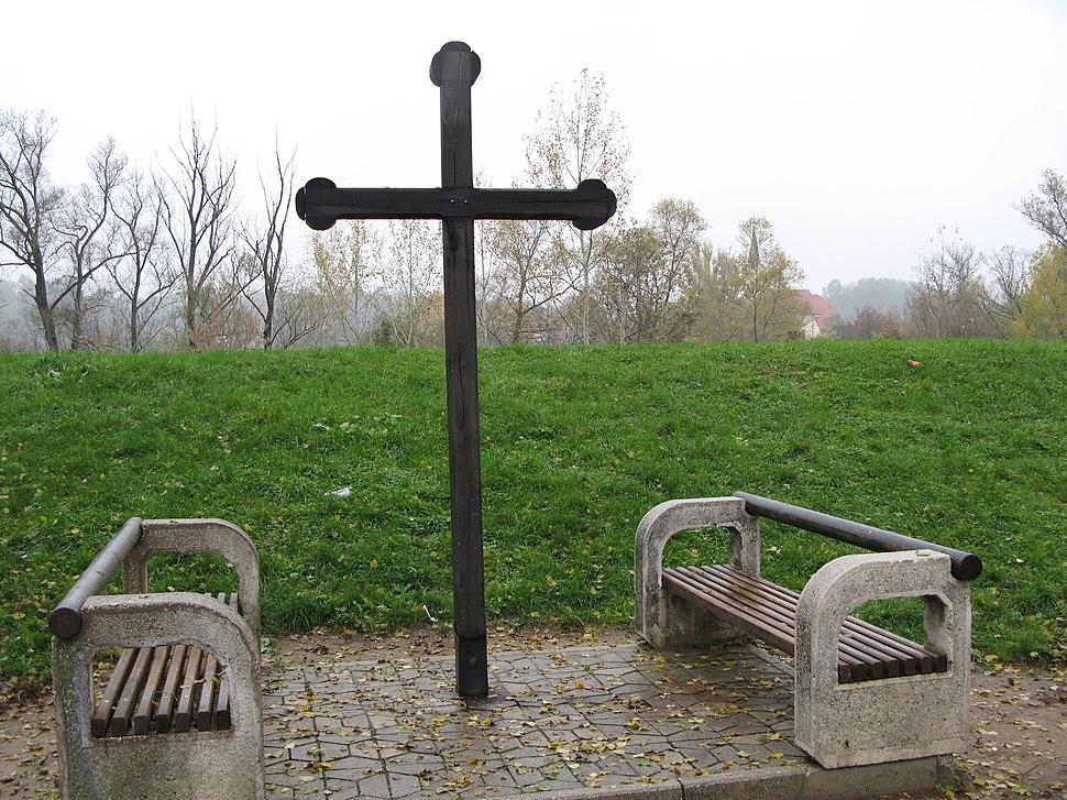 Spomen-krst, Kozarska Dubica