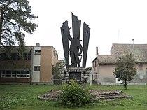 Spomenik NOB, Čepin.JPG
